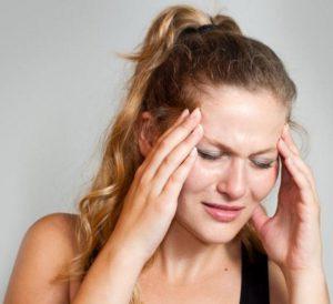 Болит голова в висках и тошнит, диагностика и лечение